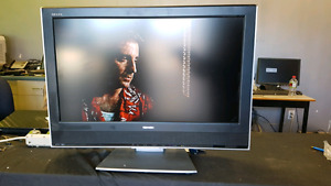"Toshiba 32"" LCD TV with built-in DVD"