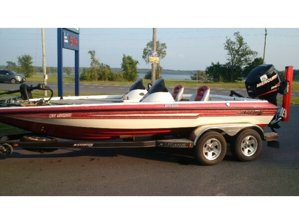 Used 2011 Stratos Boat Co 202 elite DC