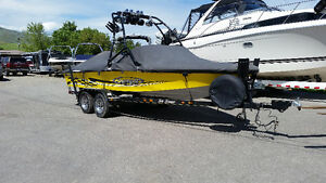 20 foot Sanger direct drive bow rider