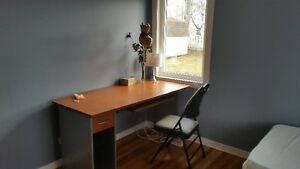 A funished bedroom 5-min to University is available Aug 30-Sep4