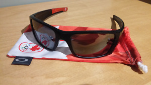 OAKLEY Fuel Cell Canadian Olympic Collection