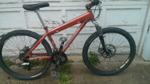 """Specialized P3 dirt jumper 16"""" frame hydraulic brakes 27spd $495"""