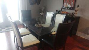 Table en vitre et buffet