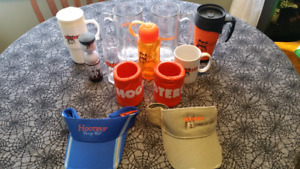 HOOTERS COLLECTABLES  (SET OF 12)