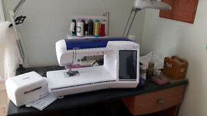 Innov-is6700D embroidery machine