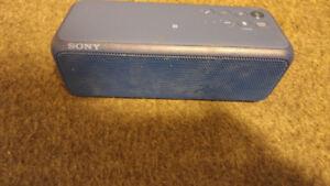Sony personal wireless speaker blue tooth like new