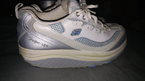 Ladies Shape Up Running Shoes (Size 7)