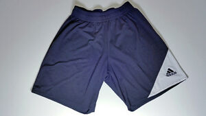 ADIDAS Soccer shorts - Size L West Island Greater Montréal image 1