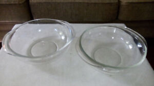 2 PYREX CASSEROLES DISHES (2 litre)- GREAT CONDITION