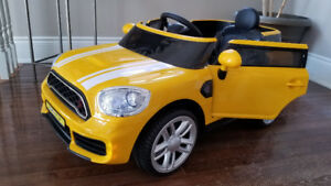 Ride-On Mini Cooper, 12Volt, Remote Control Trucks/ Cars/ RC