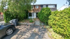 Maison Brossard 229 000 $ INVESTISSEUR UN PLACEMENT