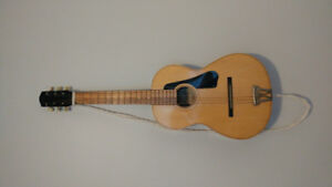 Vintage beautiful classical guitar 1/2 size. good condition