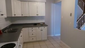 3 bed townhouse available Dec 1 or 15