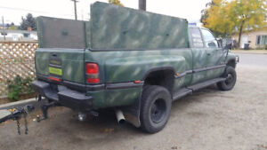 camo one ton 5.9 diesel dually 4x4!