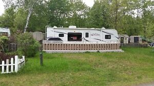 2011 32 foot Jayco Jayflight Park Model