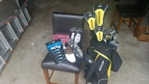New condition Dunlop right handed golf club set
