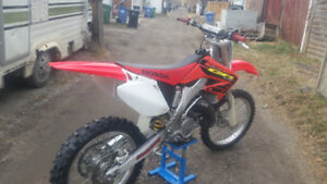 2002 HONDA CR 125 Two -stroke- Excellent condition.