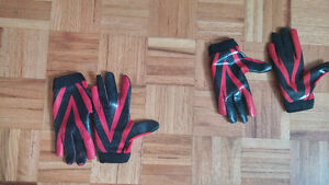 youth md and large gloves for ultimate or football