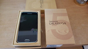 SAMSUNG  GALAXY  S5  16 GB  UNLOCKED PHONE FOR SALE