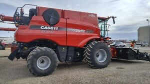 CaseIH 8230 Combine and 3016 Hdr.