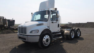 2007 M2 106 FREIGHTLINER T/A  DAY CAB TRUCK