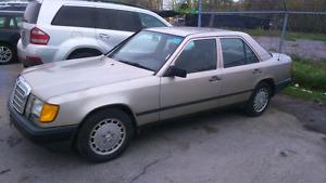 Classic 1988 Mercedes 300e