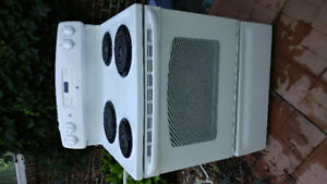 Good working condition electric range/stove all burners working