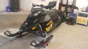 Lets make a deal. 2010 MXZ 800R IN MINT CONDITION