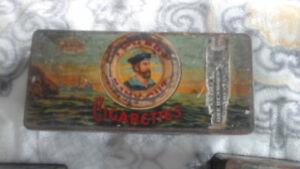 Belles boites de tabacs en métal, antique