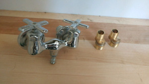 Chrome clawfoot tub taps and swing arms