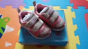 Skechers for toddler girl - size 5