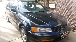 1998 Acura 1.6EL Sport with after market Pioneer stereo