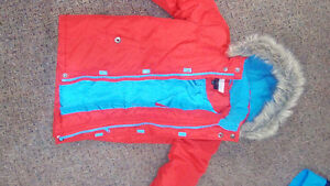 Size 6X Red winter jacket with fur-trimmed hood