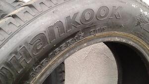 Deux pneus hiver 195 65-15