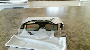 BRAND NEW 3bluetooth 3 D glasses
