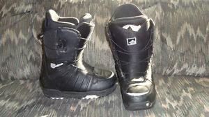 Burton Moto snowboard boots men's size 8 excellent condition