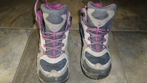 Womens hiking boots merrell size 7 $70.00.
