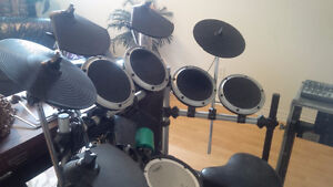 ELECTRONIC DRUM SET FOR SALE (LAST CALL)