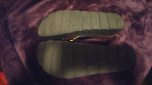 Womans sandals almost new!
