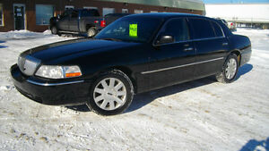2004 Lincoln Town Car Executive L Sedan