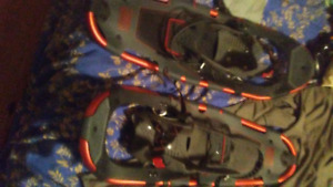 Tubbs snowshoes with poles 75$