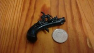 10 miniature collectible  guns NEW