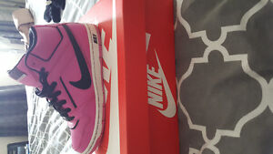 Ladies NIKE SHOES
