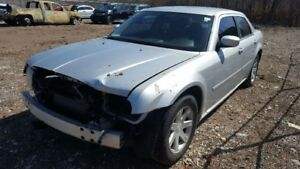 2005 CHRYSLER 300 JUST IN FOR PARTS AT PIC N SAVE! WELLAND