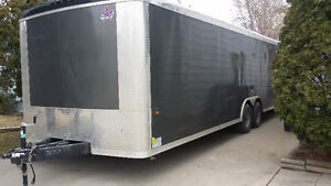 24 ft Enclosed trailer for rent or hire