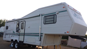1994  JAYCO J SERIES *** LARGE SLIDEOUT  **VERY CLEAN***