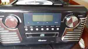 Retro record player with AM/FM/CD player  Stratford Kitchener Area image 3