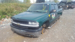 2000 SILVERADO.. JUST IN FOR PARTS AT PIC N SAVE! WELLAND