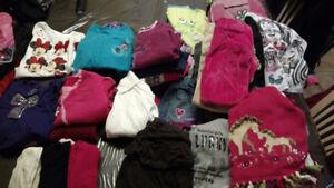 lots de vêtements pour filles 4-5 ans