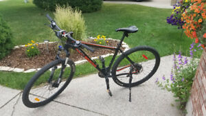 Rocky Mountain Fusion 930 Mountain Bike OBO